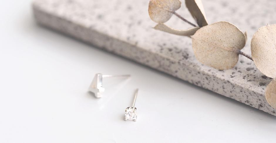 数字&4月 誕生石 ダイヤモンド ピアス シルバー925