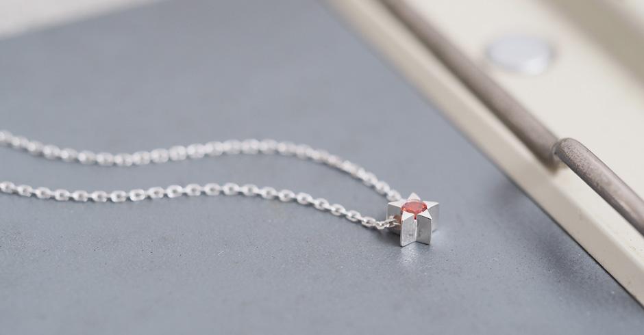 Garnet tiny 星 ネックレス シルバー925