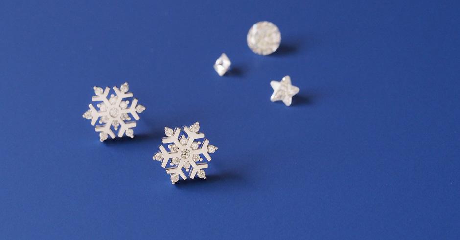 Christmas set) 雪の結晶 ネックレス ピアス 限定セット