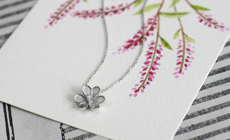 cloud-jewelry White flower pendant ホワイトフラワーペンダント_01