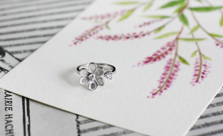 cloud-jewelry White flower ring ホワイトフラワーリング_01